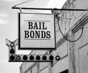 how much does a bail bondsman make